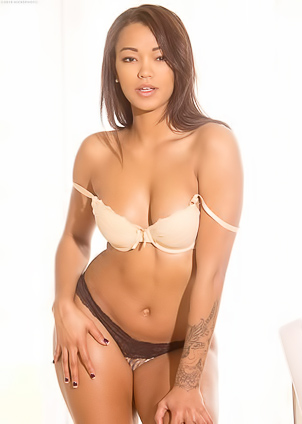 Asian stunner Harley Dean has a flawless body